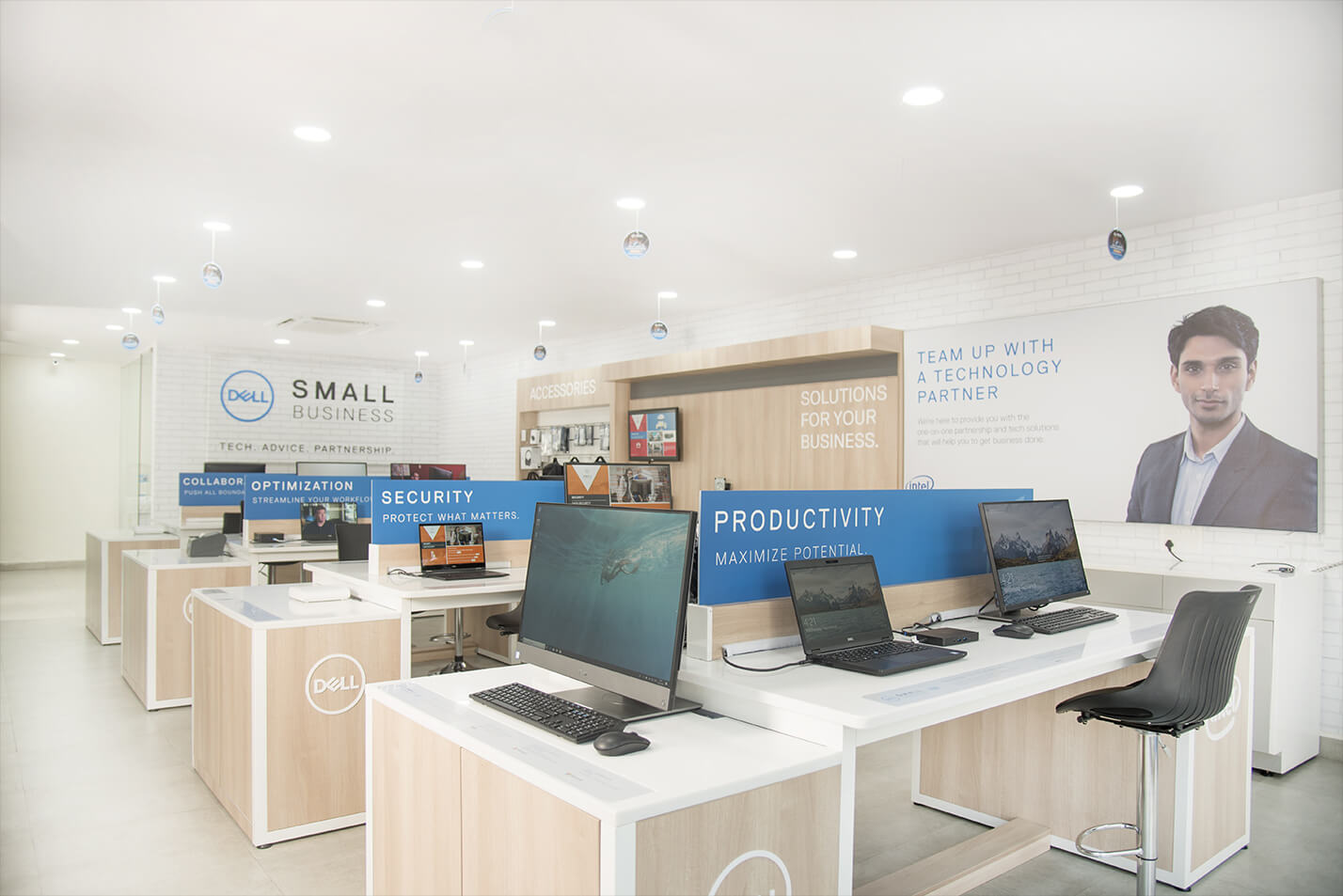 DELL_-_SMALL_BUSINESS_SOLUTIONS_CENTRE_3