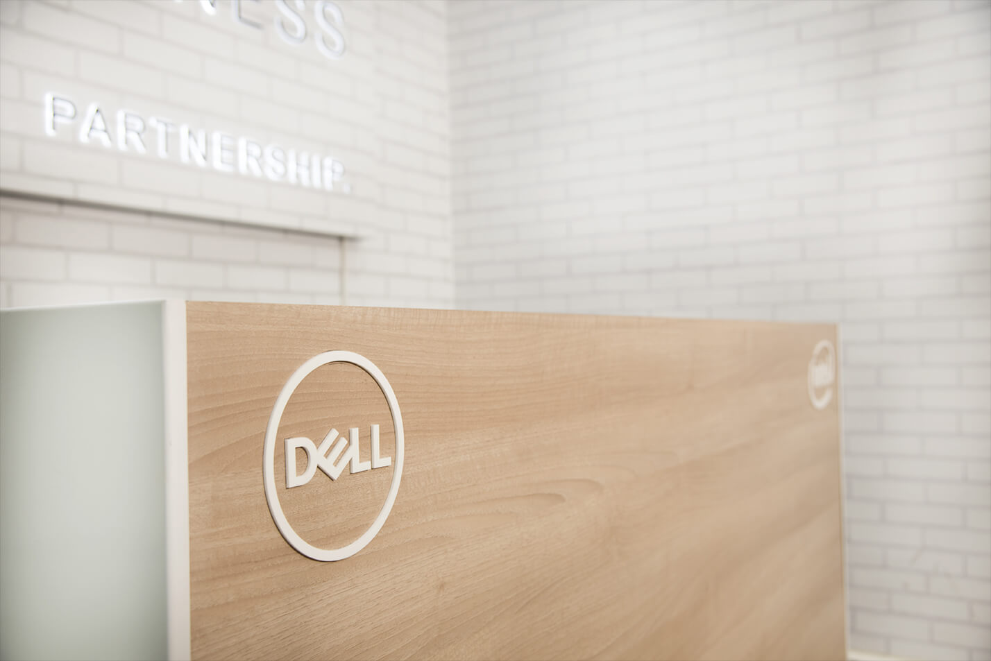 DELL_-_SMALL_BUSINESS_SOLUTIONS_CENTRE_5